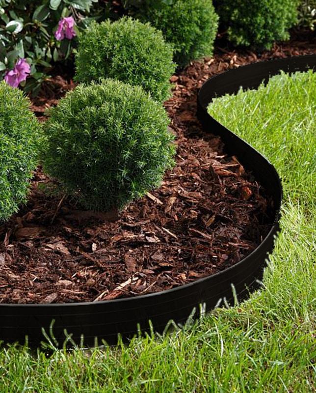 Gestaltungskante Abgrenzung zwischen Rasen und Mulchbeet